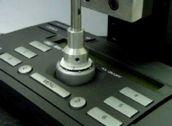 リニアアクチュエータによる精密スイッチ検査